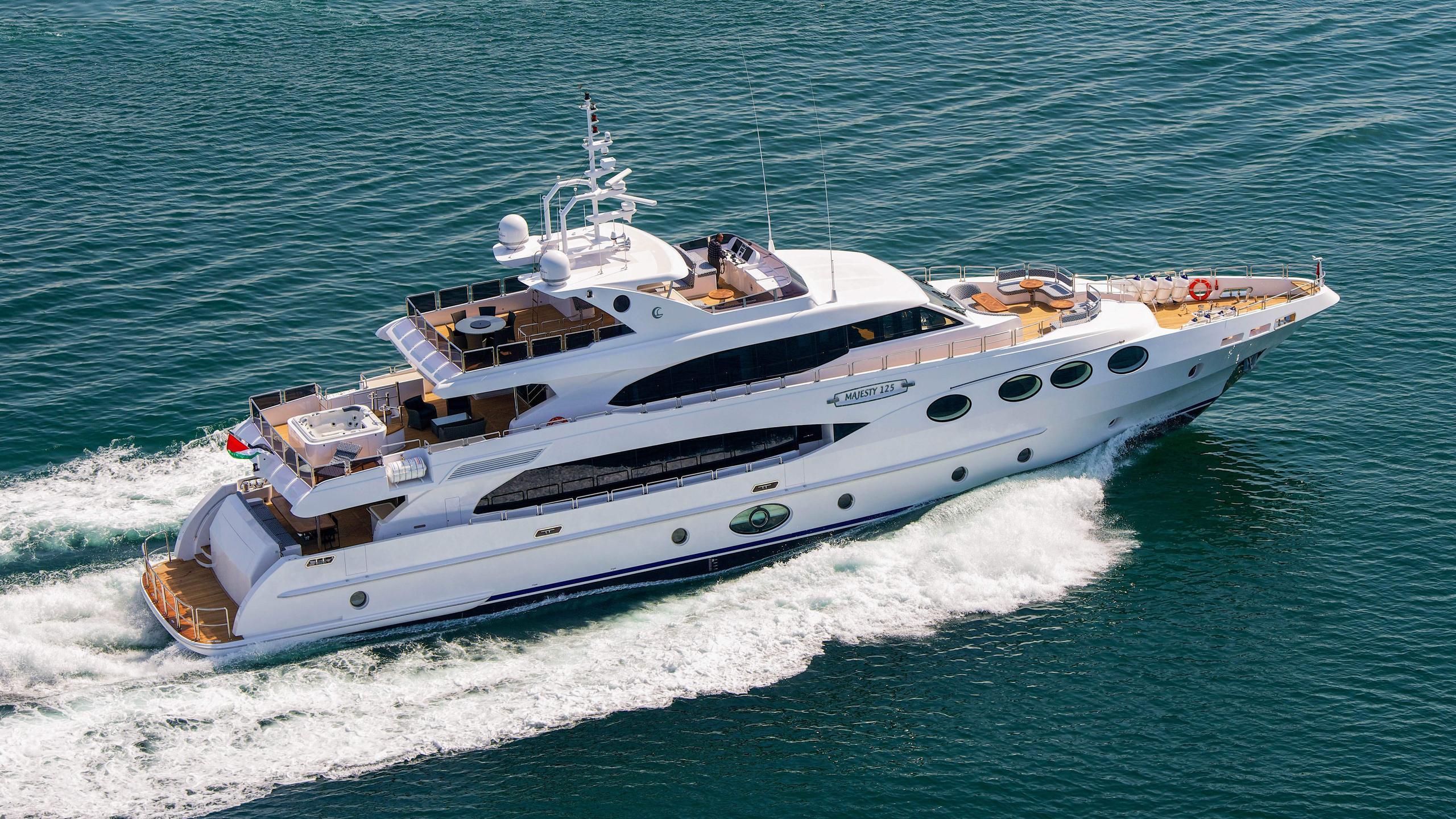 al-wasmy-yacht-exterior