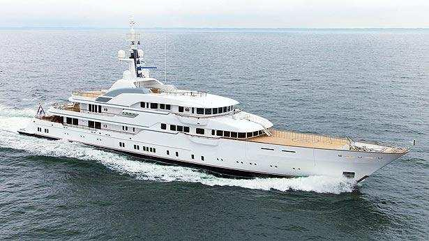 hampshire ii motoryacht feadship 78m 2012 half profile before refit