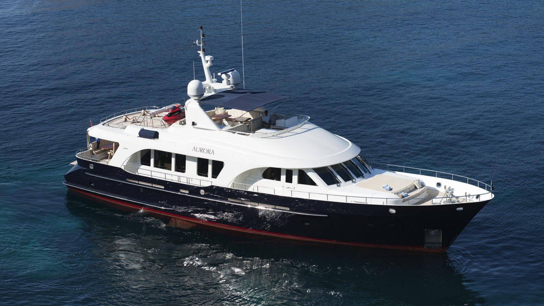 aurora-yacht-exterior