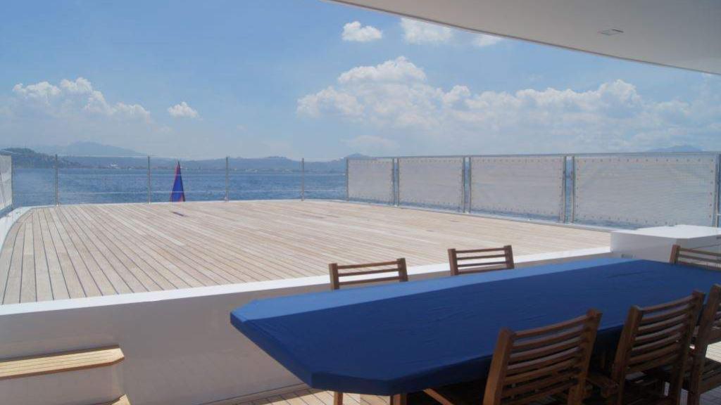 cklass-yacht-exterior-helipad