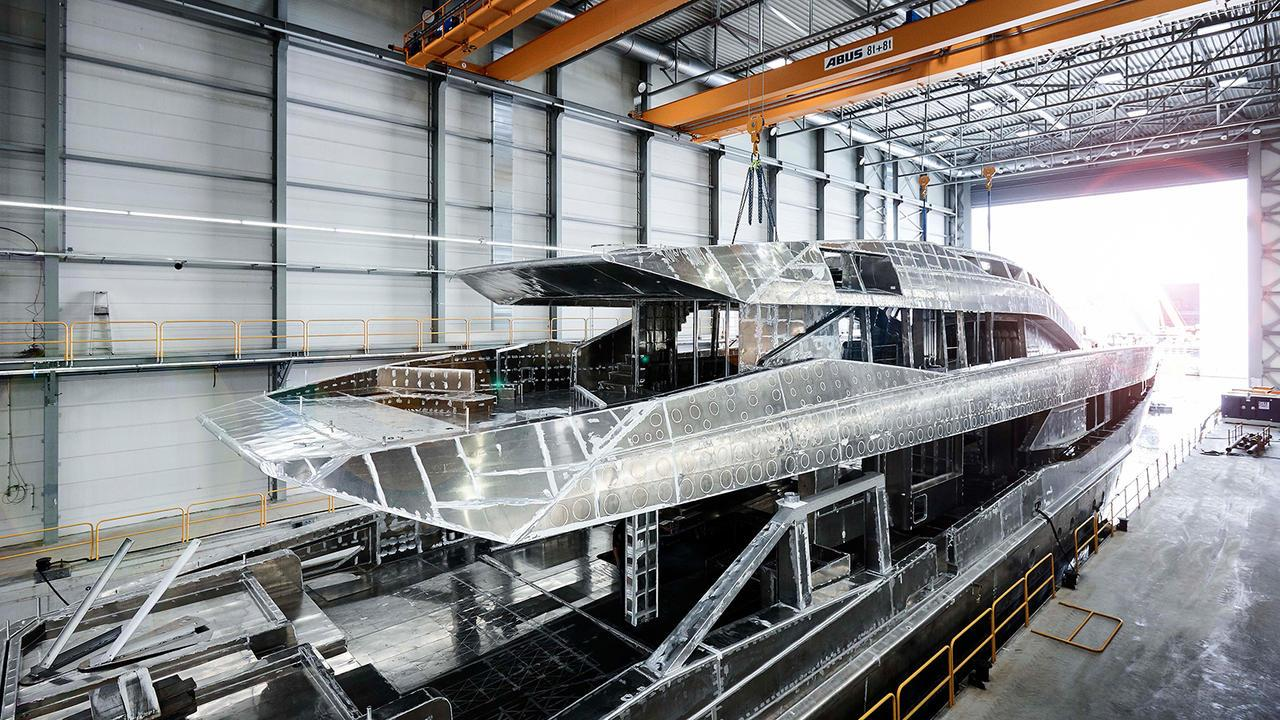 irisha 18151 motoryacht heesen yachts 2018 51m under construction