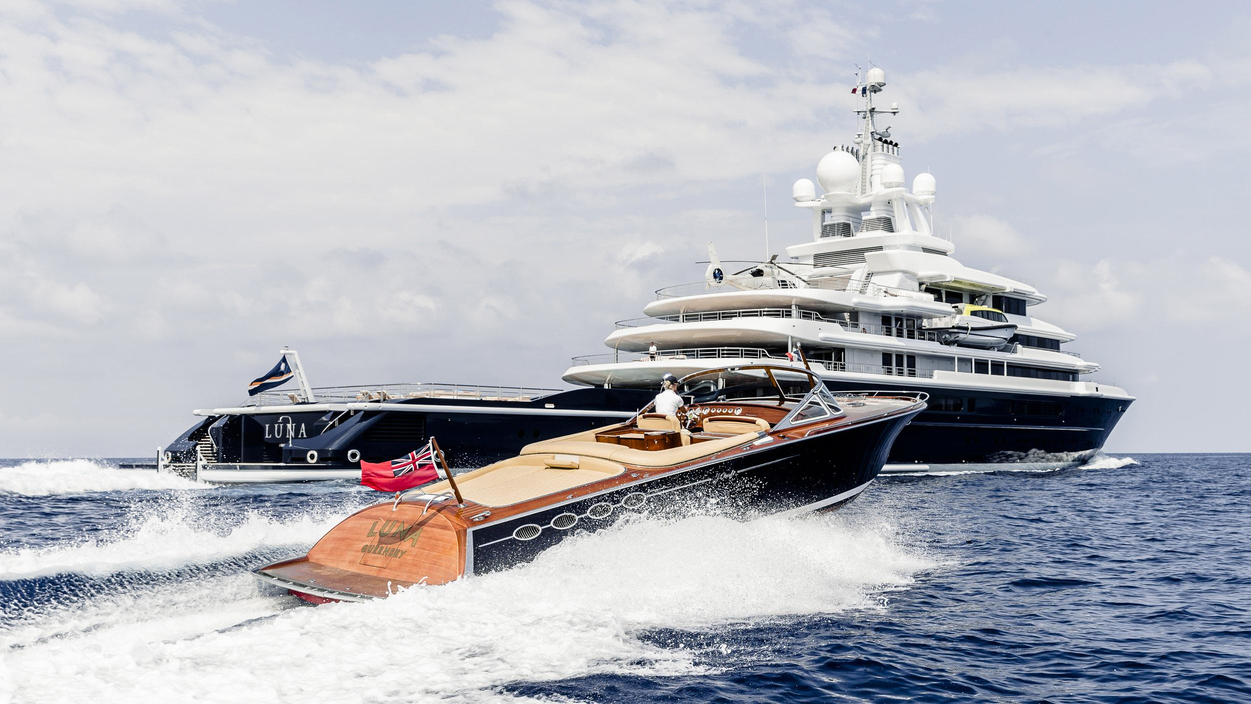 luna superyacht lloyd werft 2010 115m cruising half stern