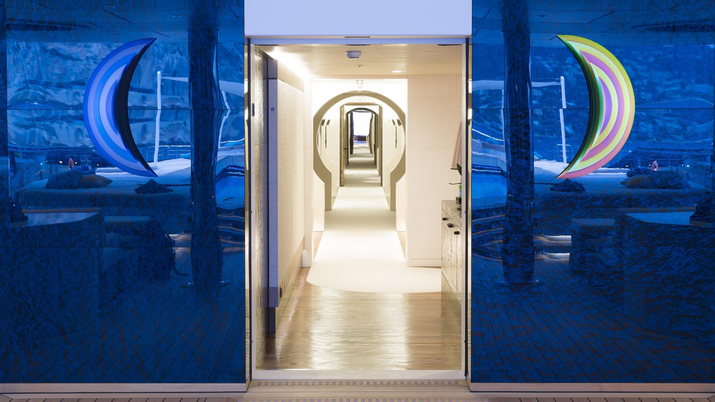 luna superyacht lloyd werft 2010 115m corridor