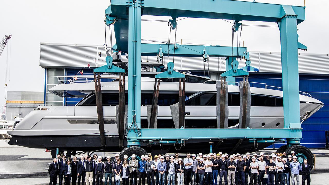 bernadette riva 100 corsaro motoryacht 2017 30m profile launch