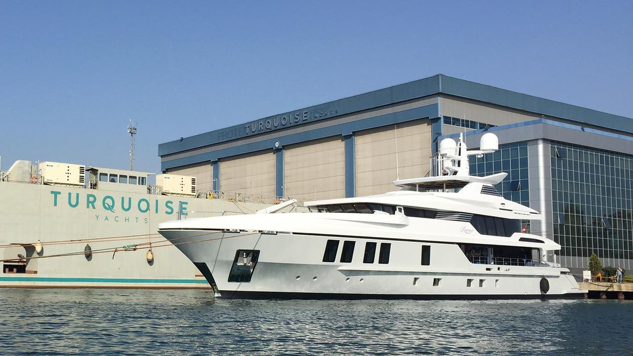 roe razan motoryacht turquoise yachts 2017 47m launch half profile