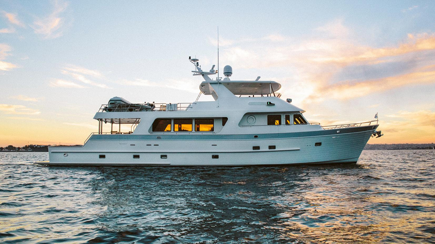 argo motoryacht outer reef yachts 2015 26m profile
