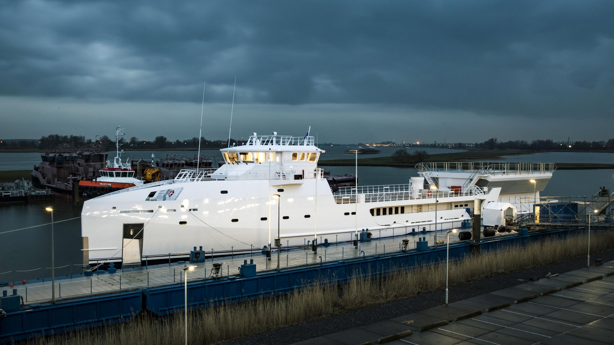game changer support motoryacht damen seaaxe 69m 2017 half profile launch