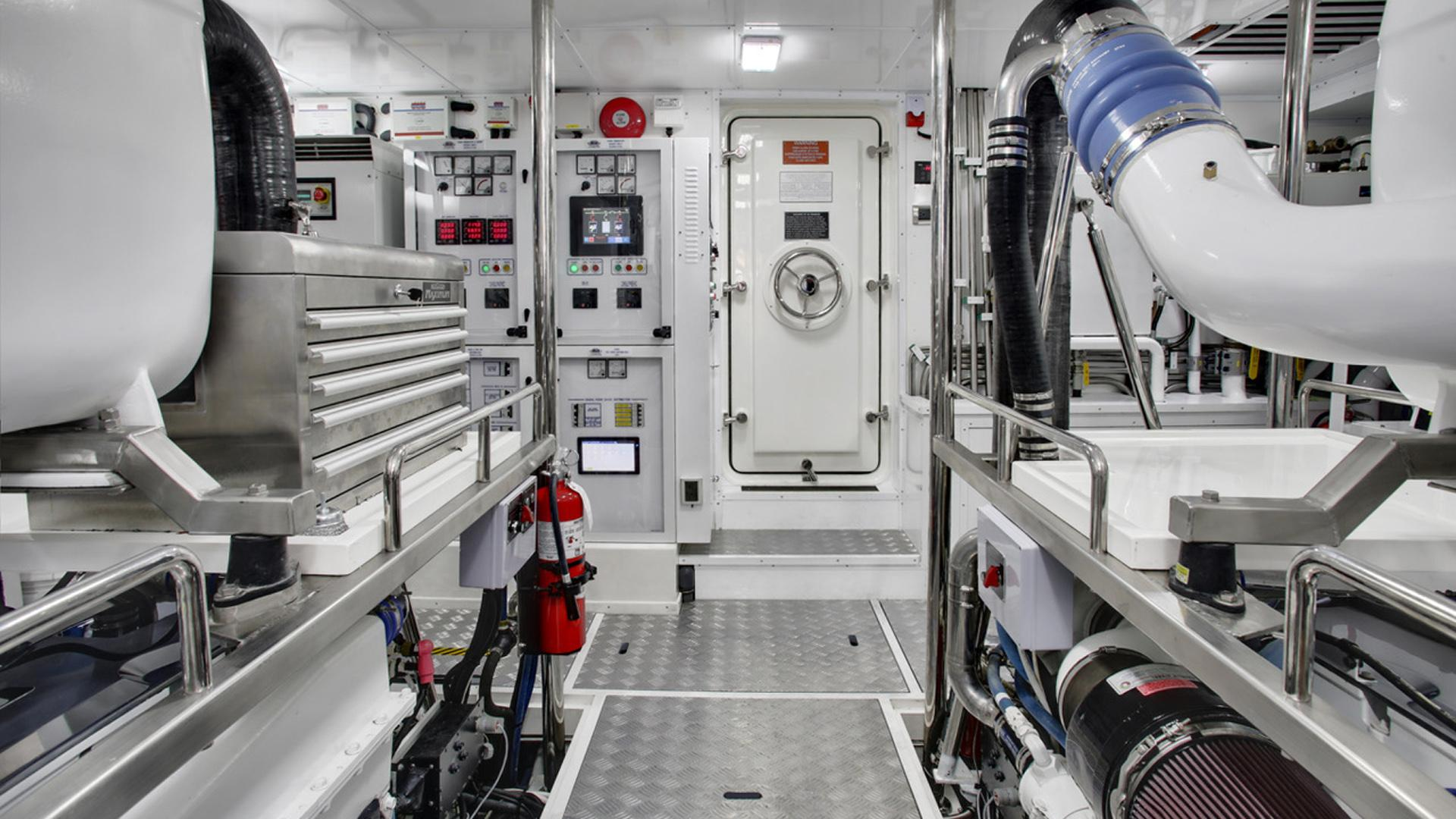watta ryde motoryacht jet tern marine selene 92 2016 28m engine room
