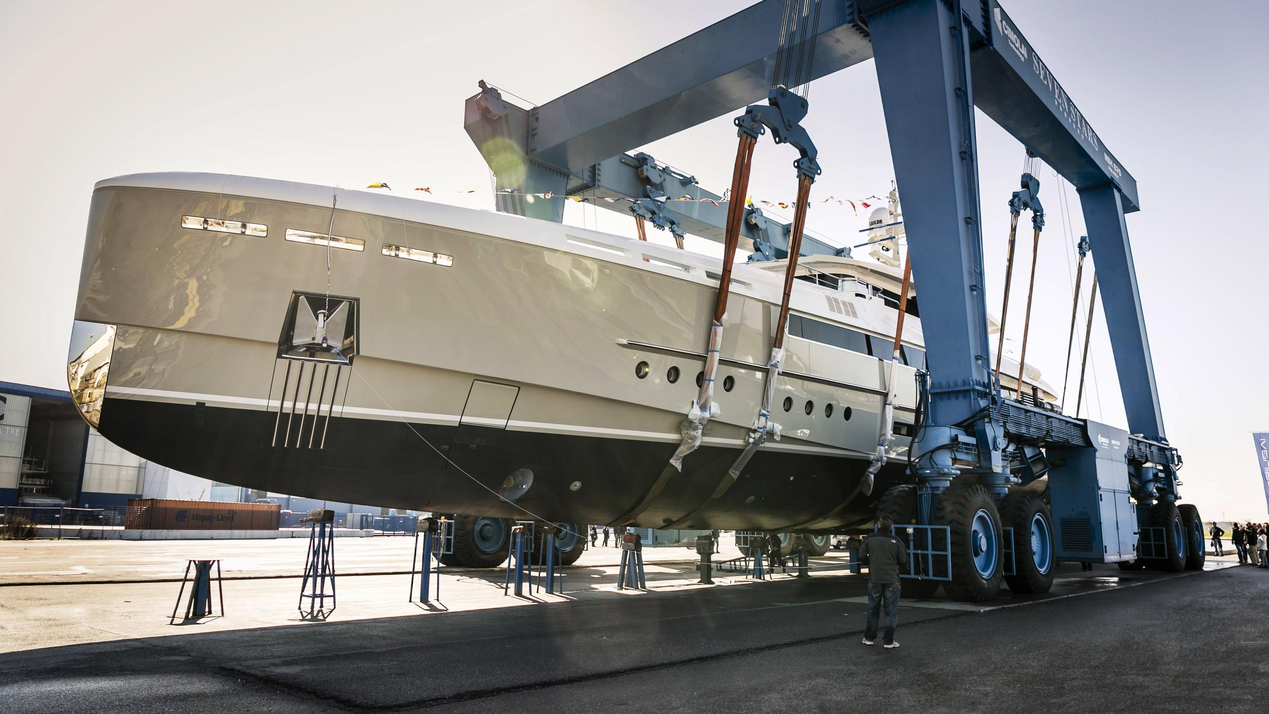 endeavour ii motoryacht rossinavi 50m 2017 half profile launch