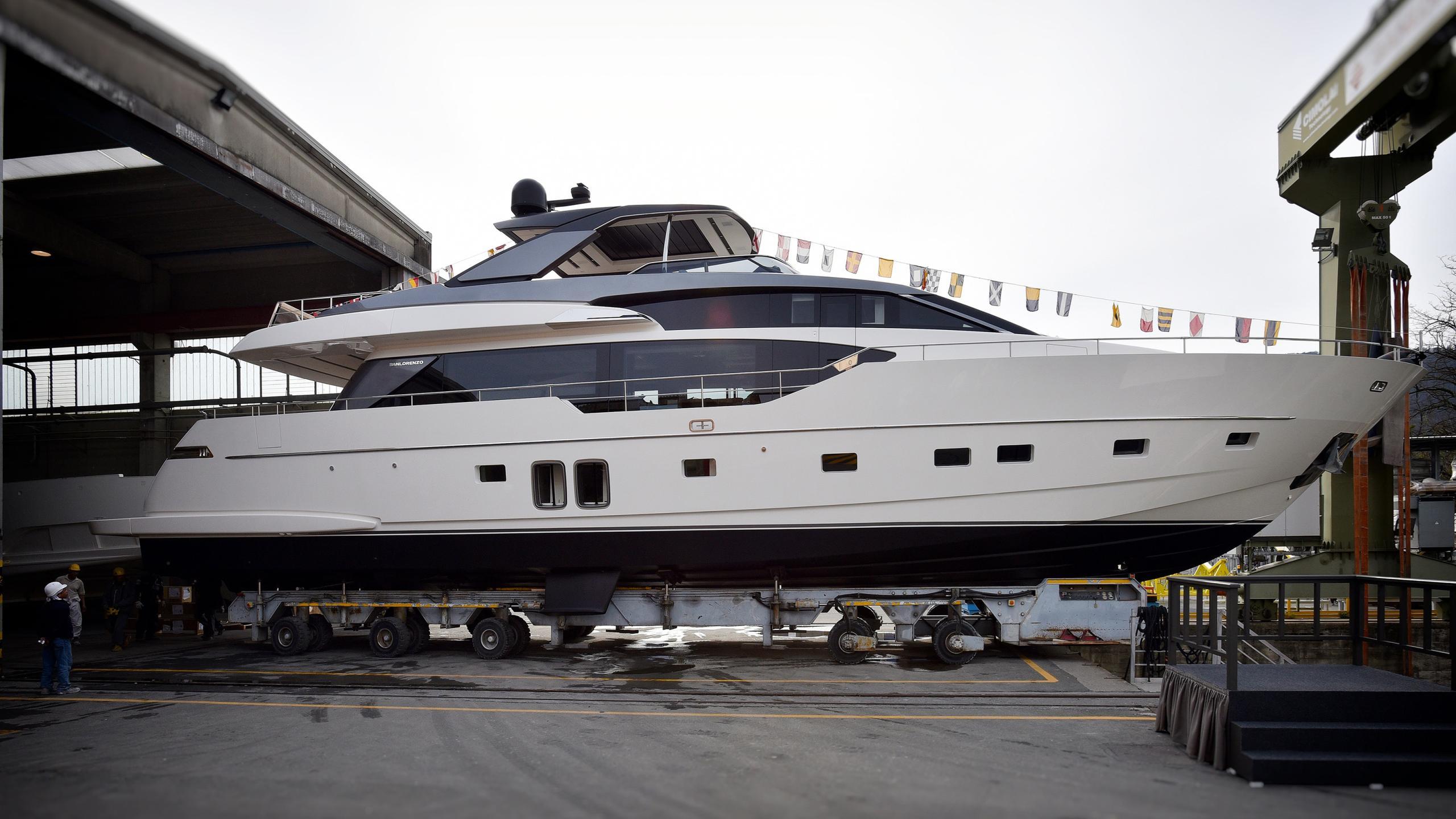 stae motoryacht sanlorenzo sl86 27m 2017 launch