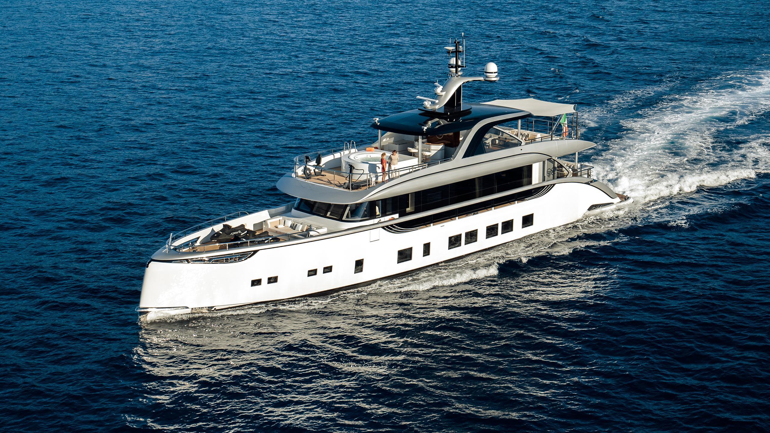 jetsetter motoryacht dynamiq yachts 39m 2016 cruising