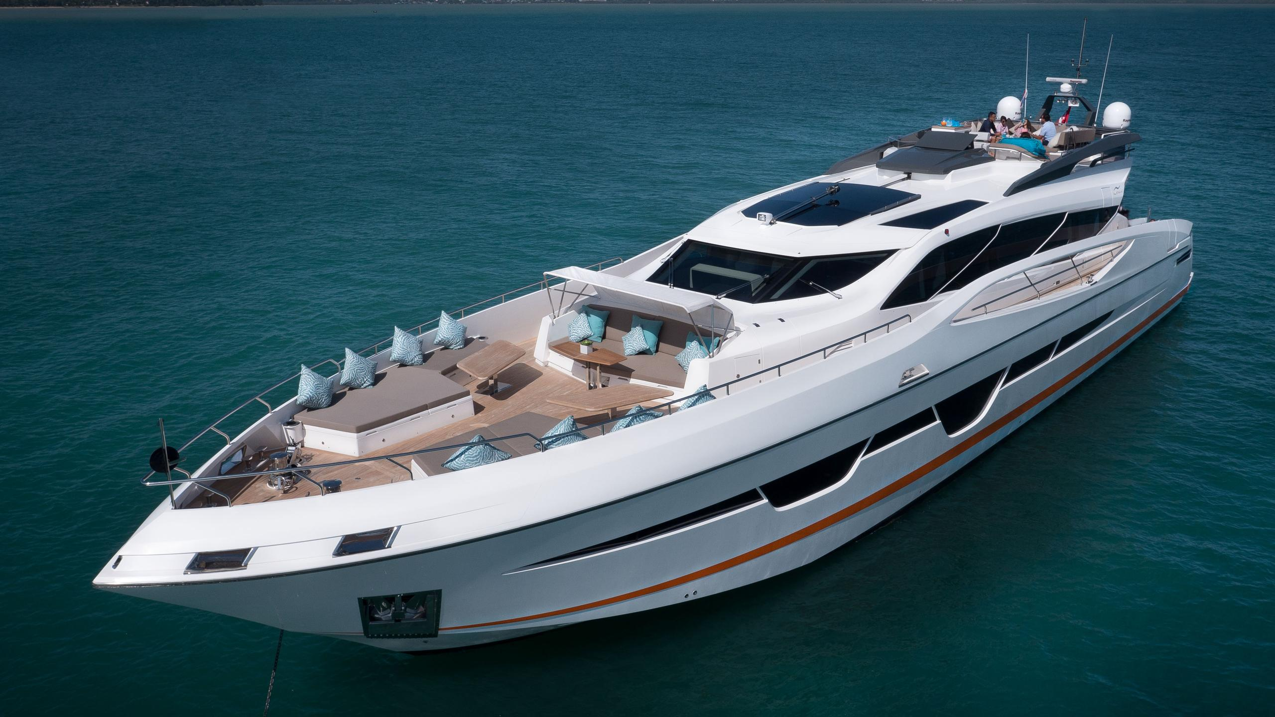 dolce vita motoryacht numarine 105 ht 2017 32m half profile