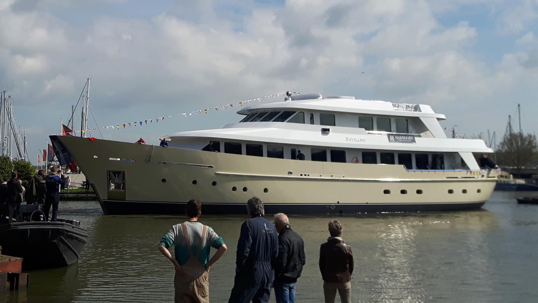 soprano motoryacht hakvoort 38m 2017 launch