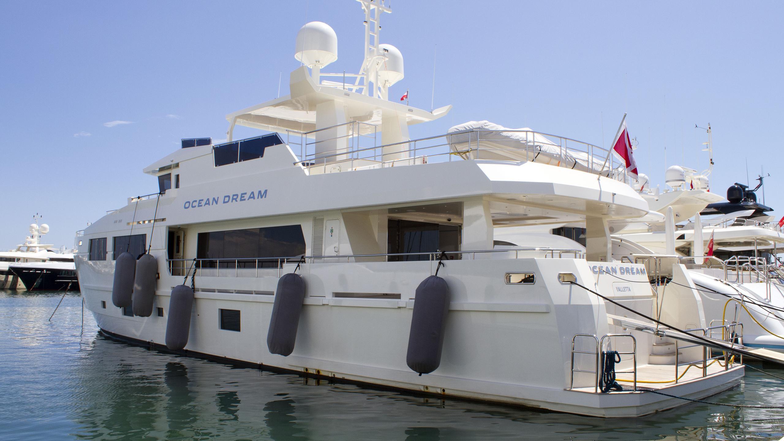 ocean dream serenitas motoryacht mengi yay 2014 32m half stern