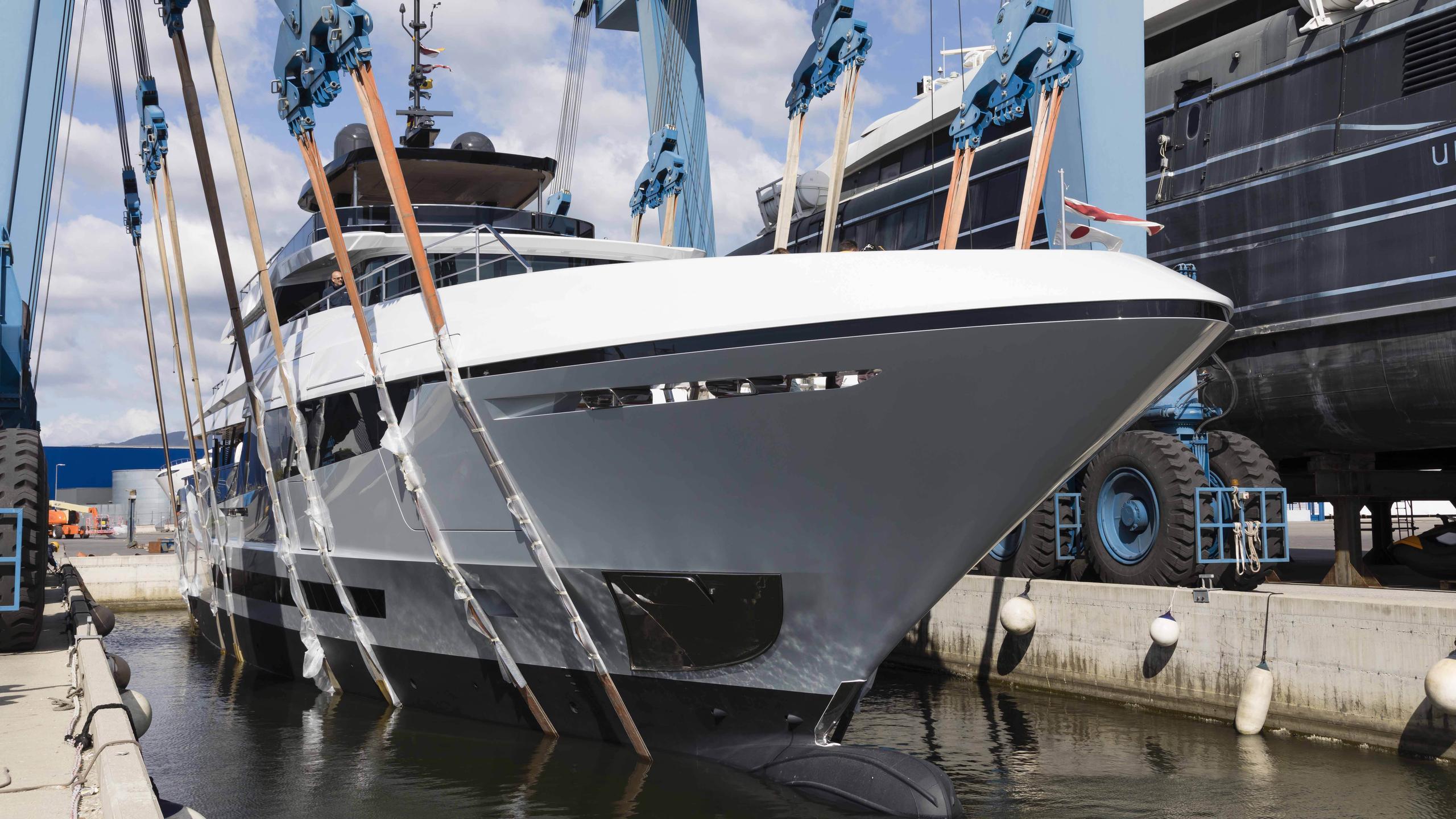 oceano 42 hull 2 motoryacht overmarine 42m 2017 launch half profile
