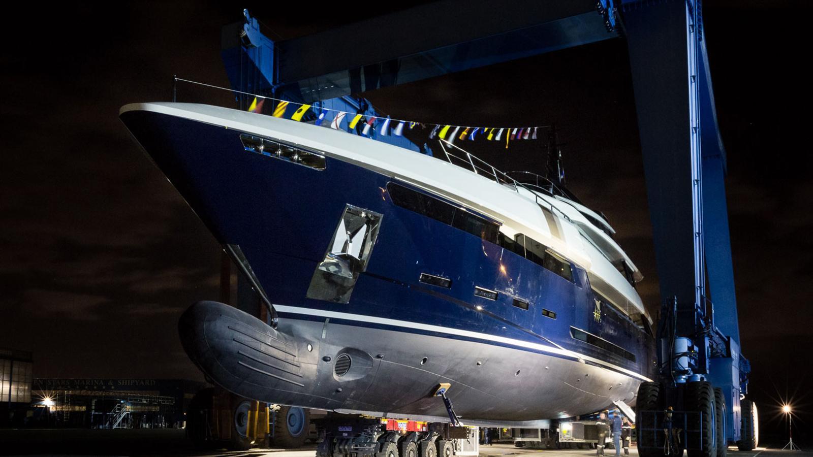 n2h motoryacht rossinavi prince shark 49m 2017 launch half profile