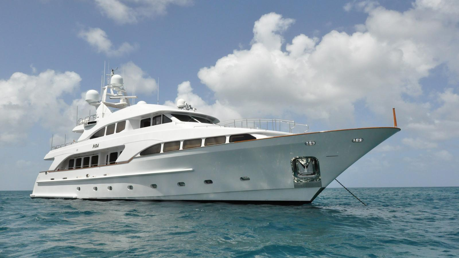 pida motor super yacht