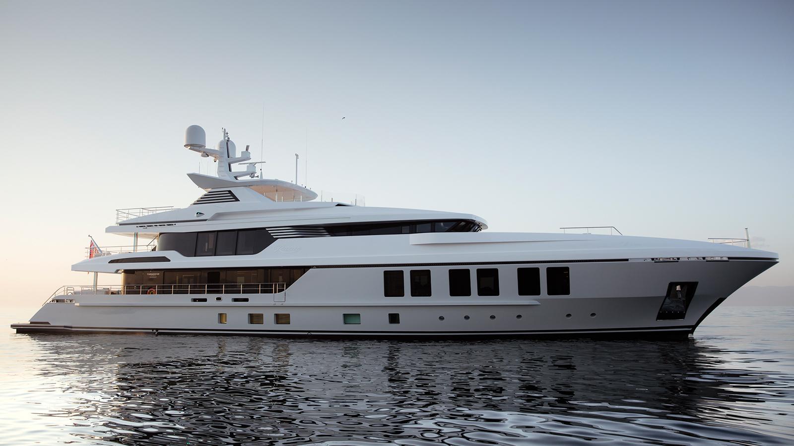 roe razan motoryacht turquoise yachts 2017 47m profile