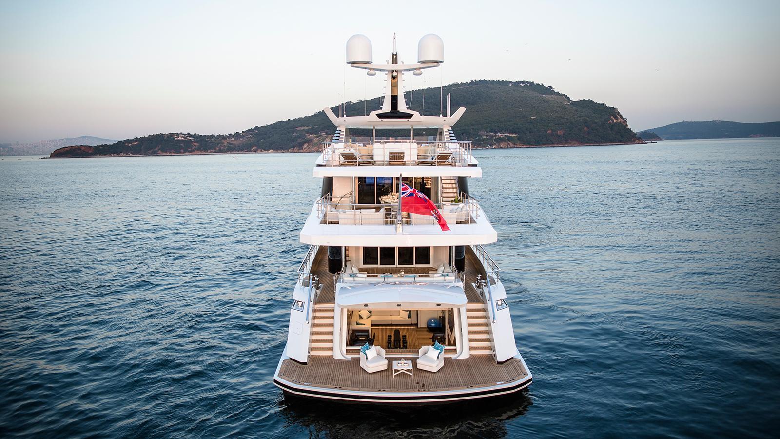 roe razan motoryacht turquoise yachts 2017 47m stern