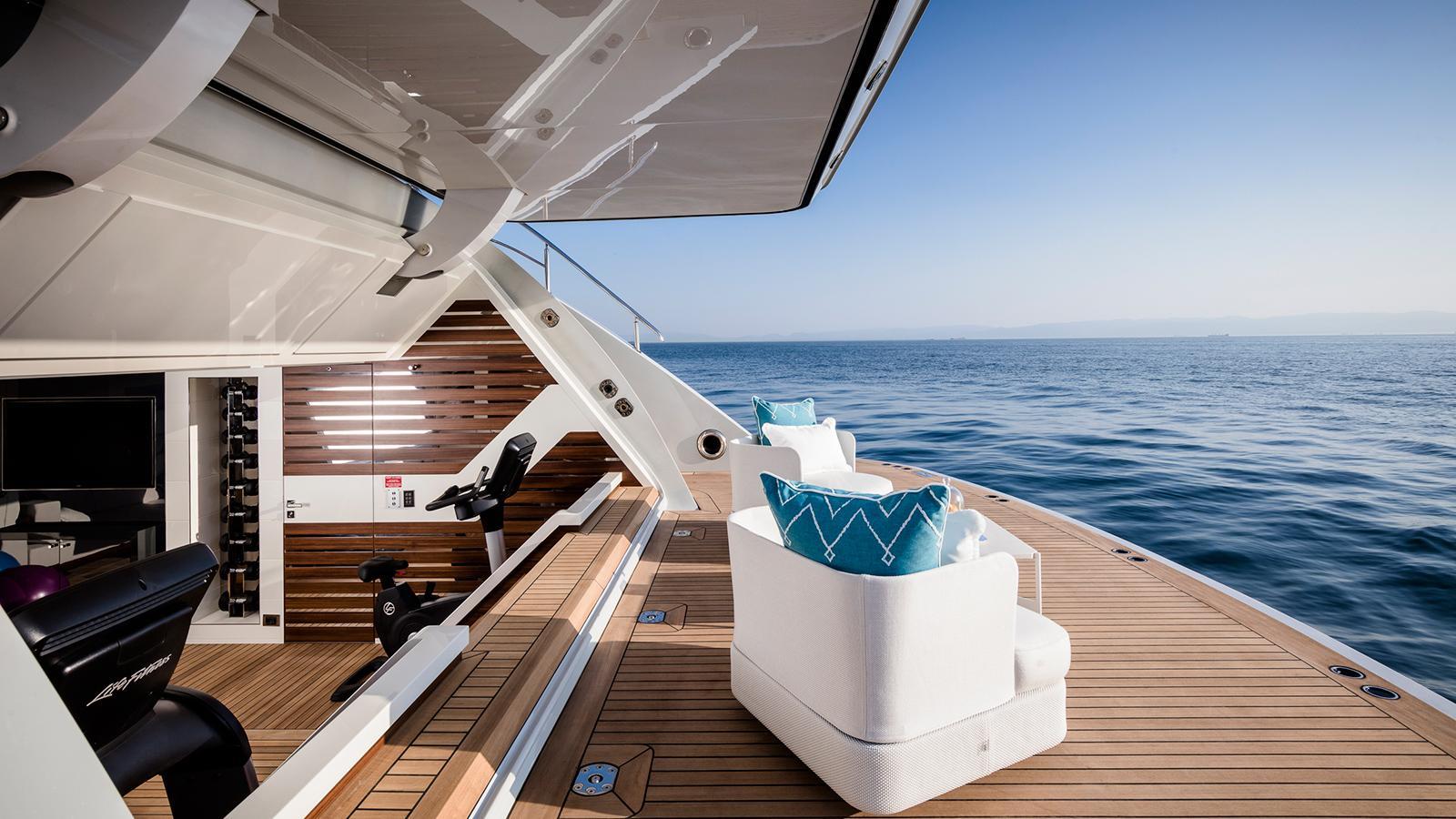 roe razan motoryacht turquoise yachts 2017 47m beach club