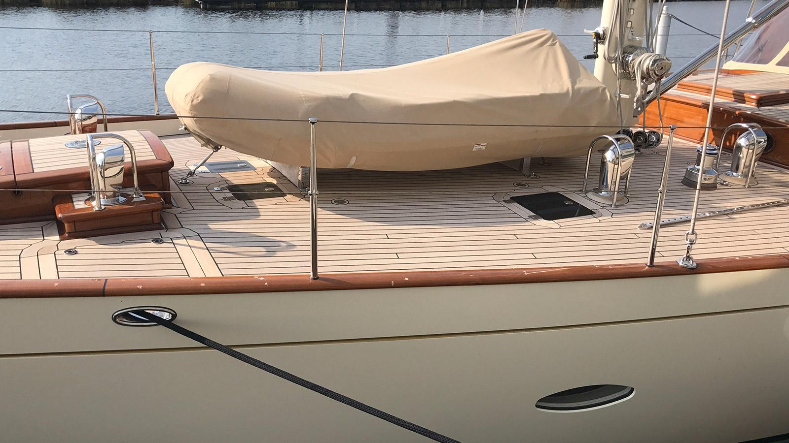 heartbeat sailing yacht claasen 24m 2007 huisfit tender