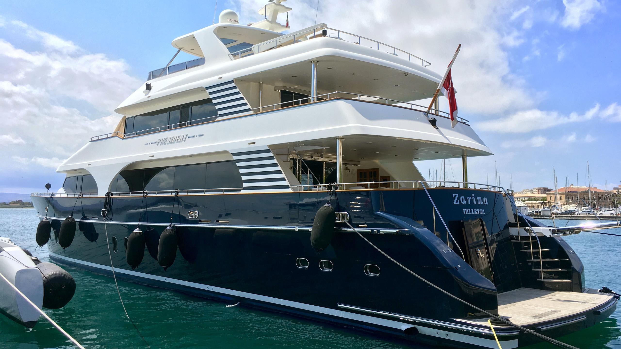 zarina motoryacht president 33m 2009 half stern