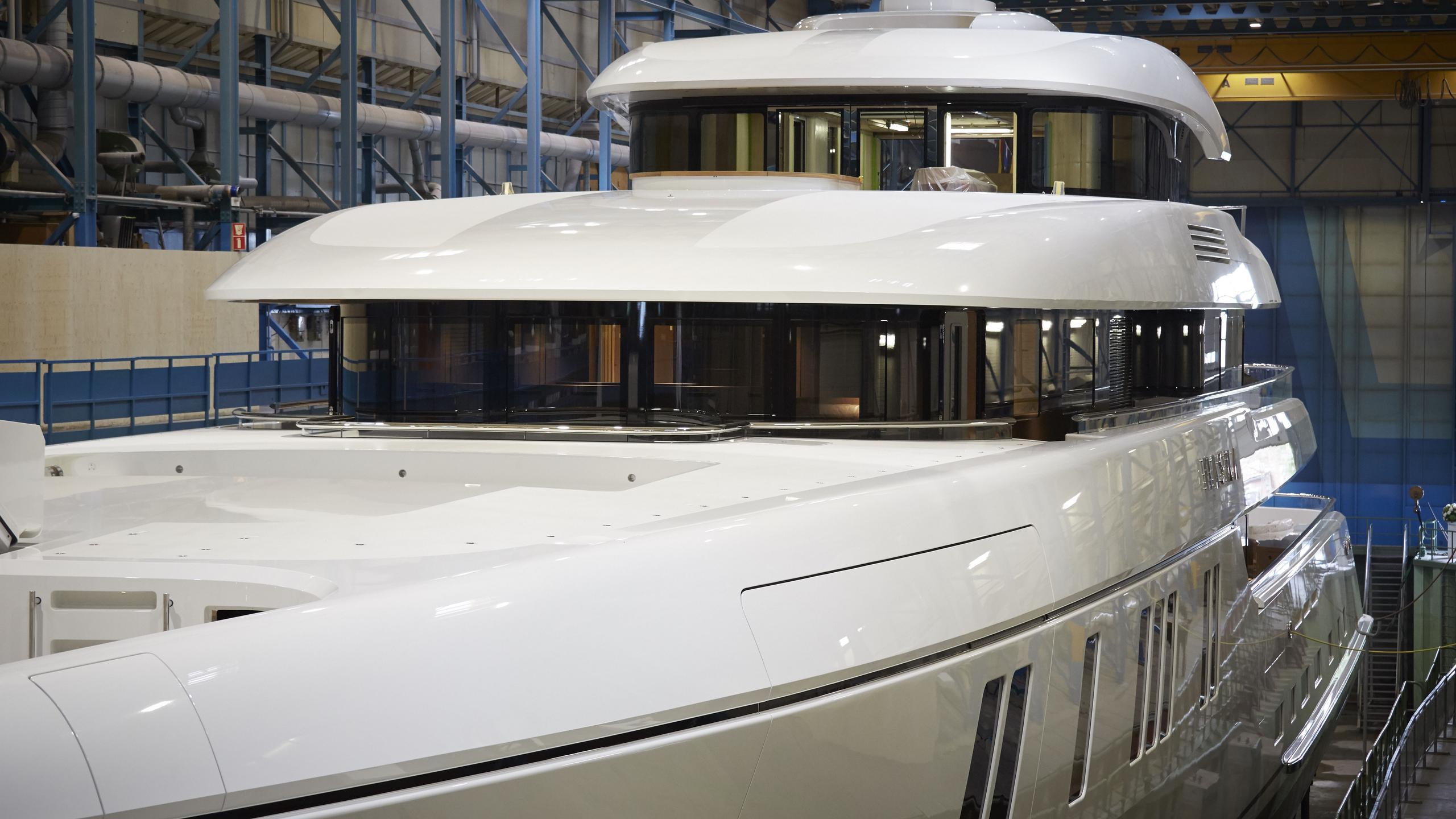 hasna motoryacht feadship 73m 2017 launch half profile