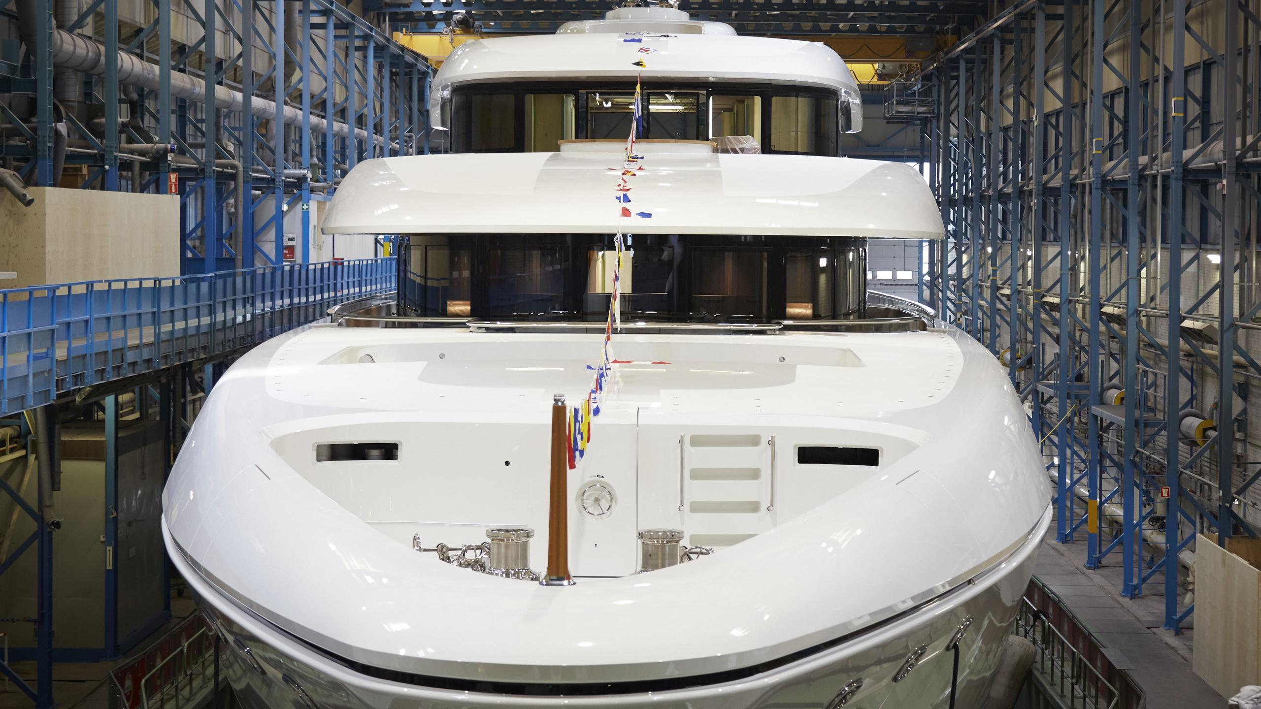 hasna motoryacht feadship 73m 2017 launch bow