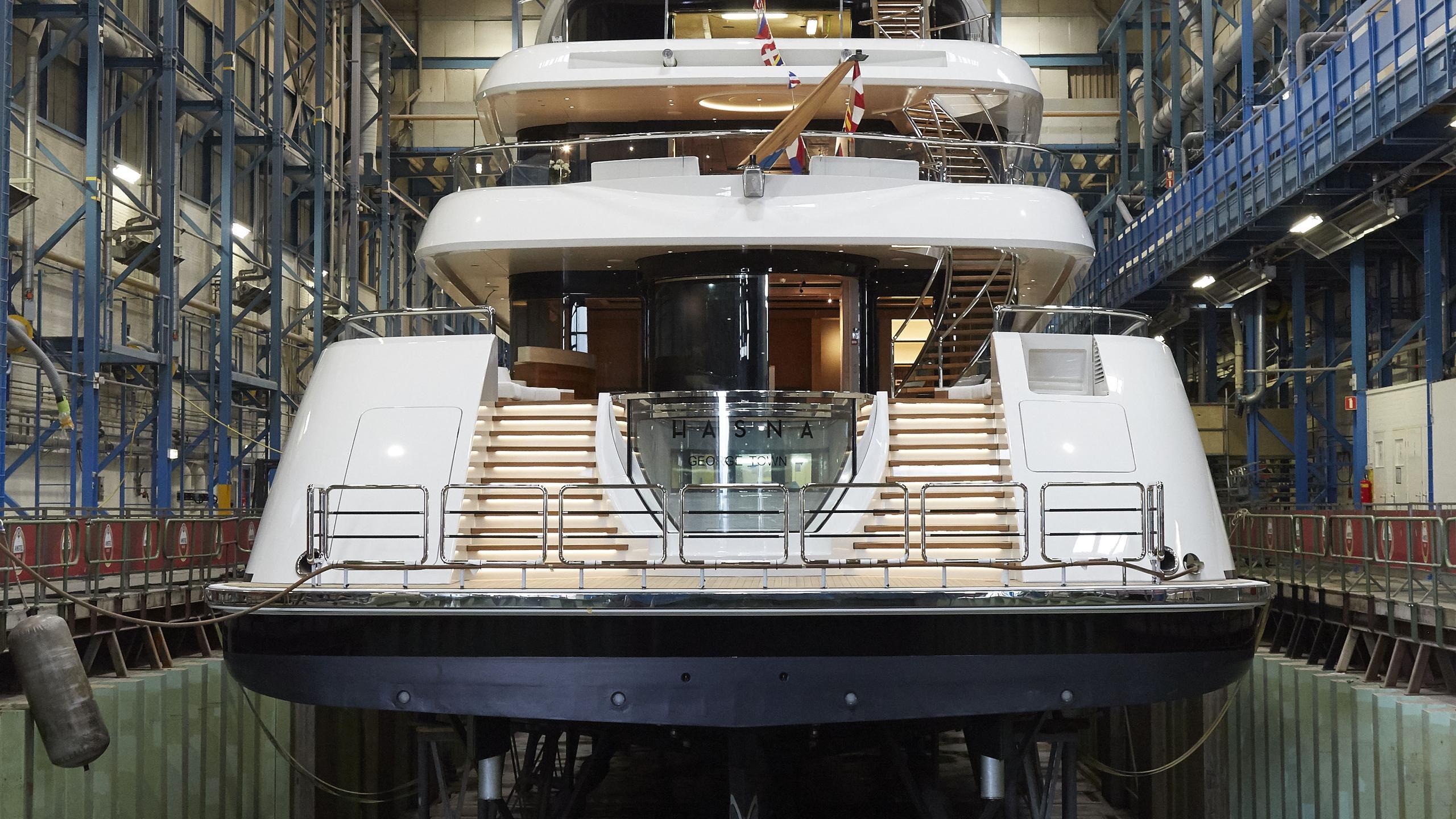 hasna motoryacht feadship 73m 2017 launch stern