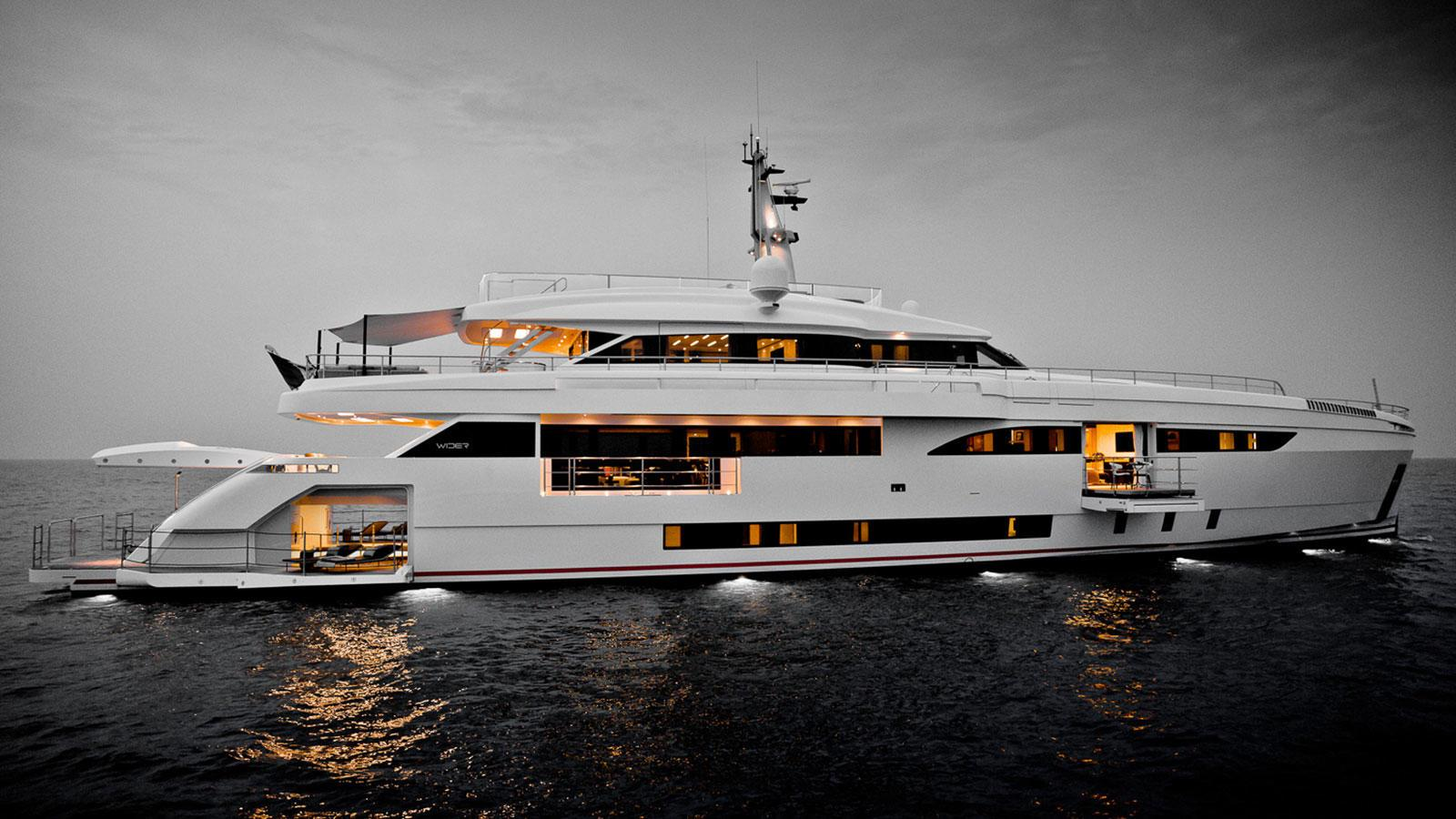 bartali-motor-yacht-wider-2016-46m-anchored