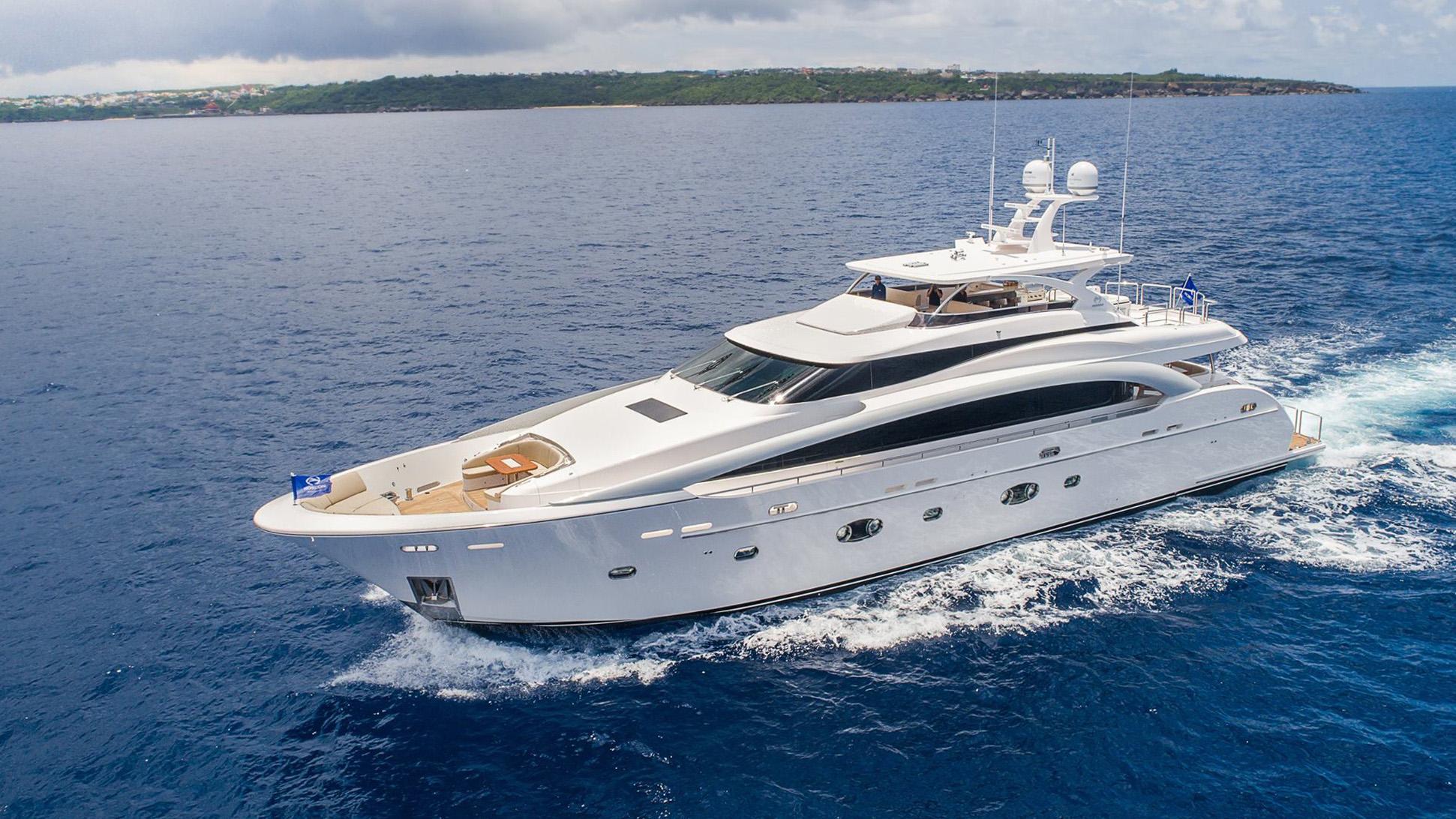 rp110 hull 4 motoryacht horizon 34m 2017 half profile