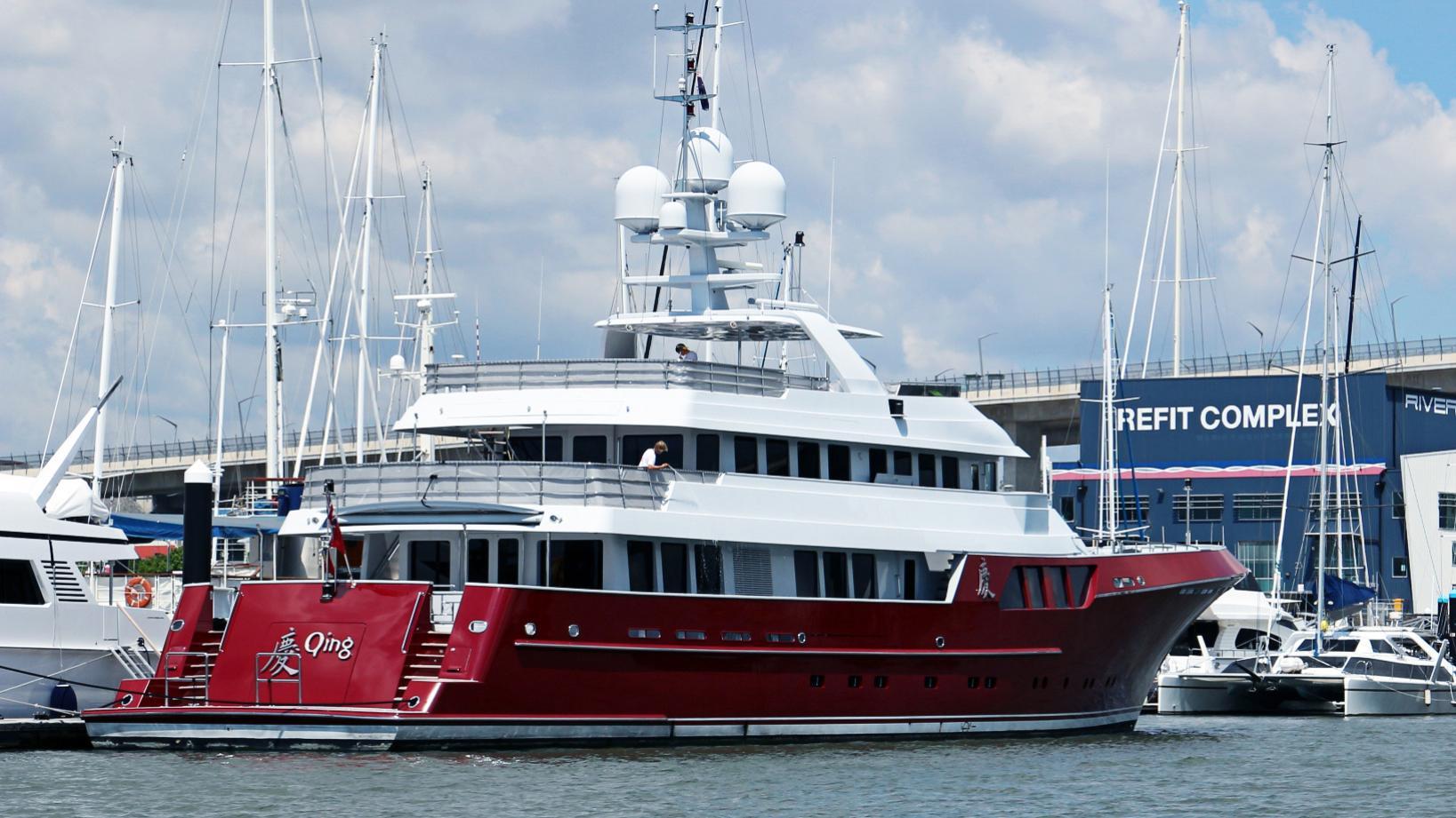 qing-motor-yacht-cheoy-lee-2012-46m-half-stern