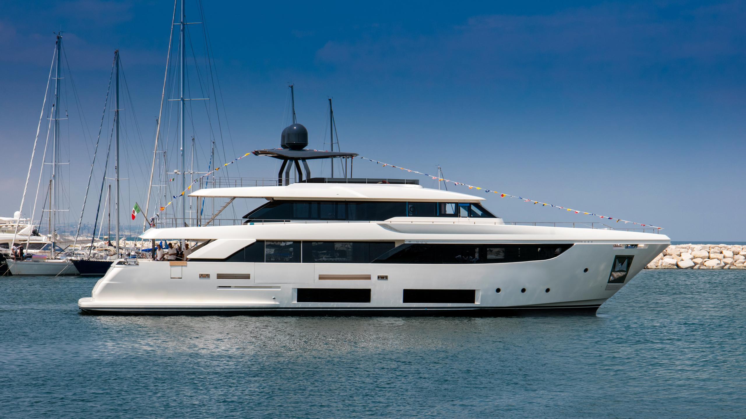 telli navetta 33 motoryacht ferretti custom line 33m 2017 launch