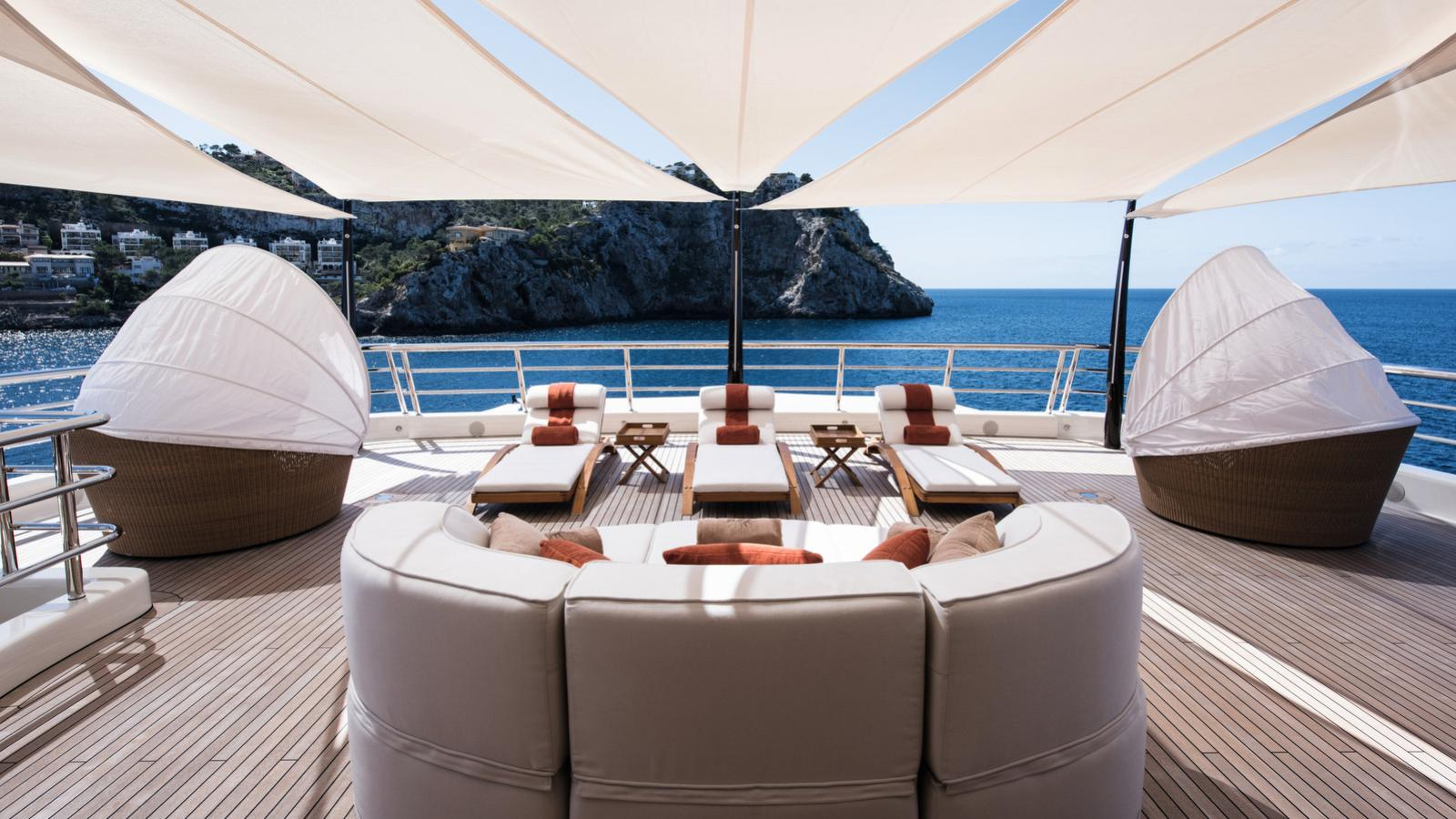 here comes the sun motoryacht amels le 272 2016 83m sundeck