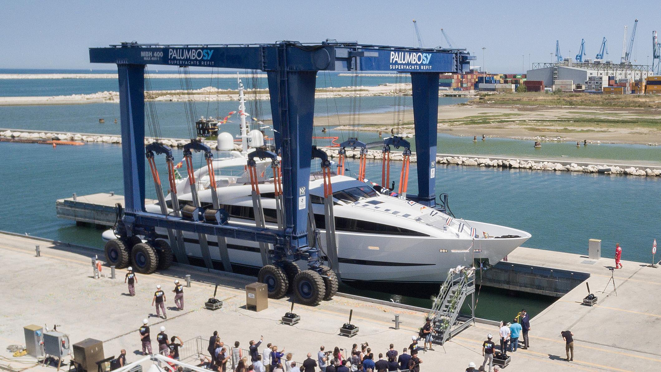 clorinda motoryacht isa yachts 2017 37m launch