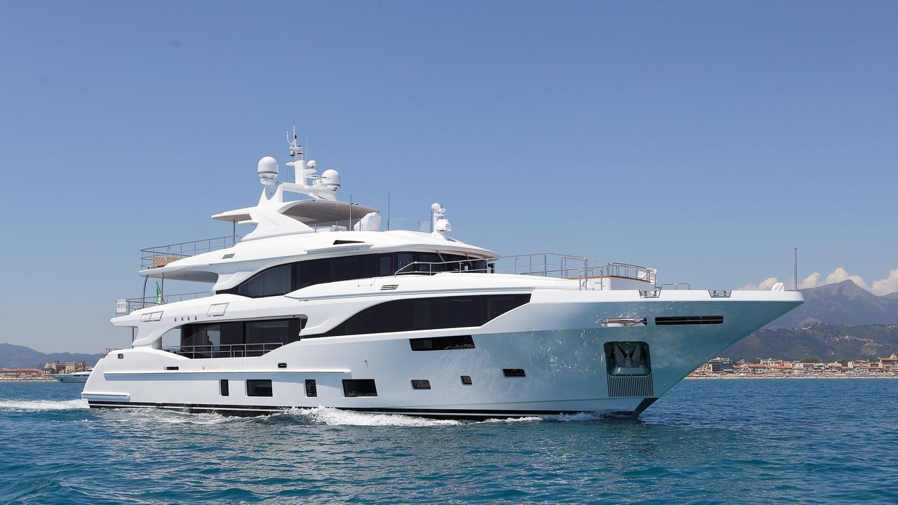 motoryacht benetti mediterraneo 116 2017 36m cruising half profile sistership