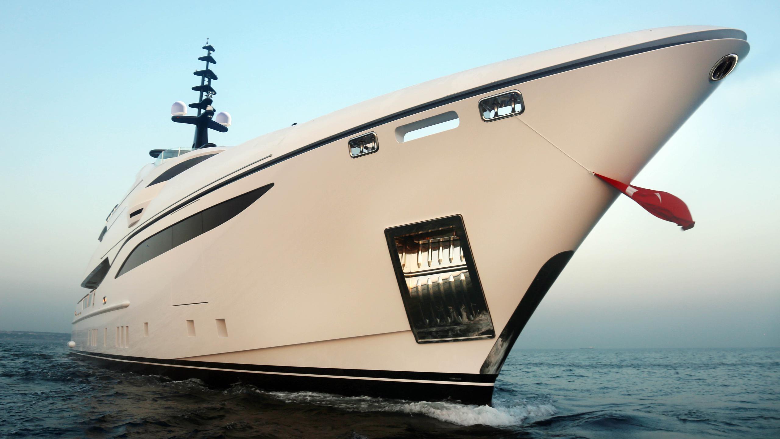 nerissa motoryacht bilgin 47m 2017 launch half profile