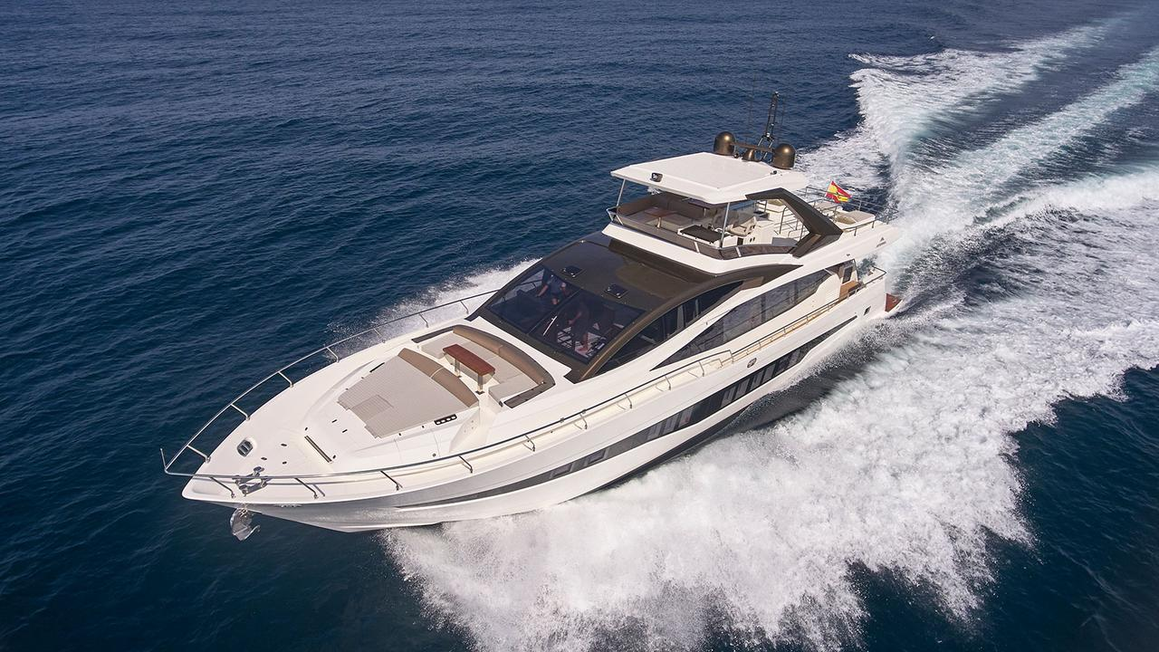 17 motoryacht astondoa yachts 80 glx 25m 2017 half profile