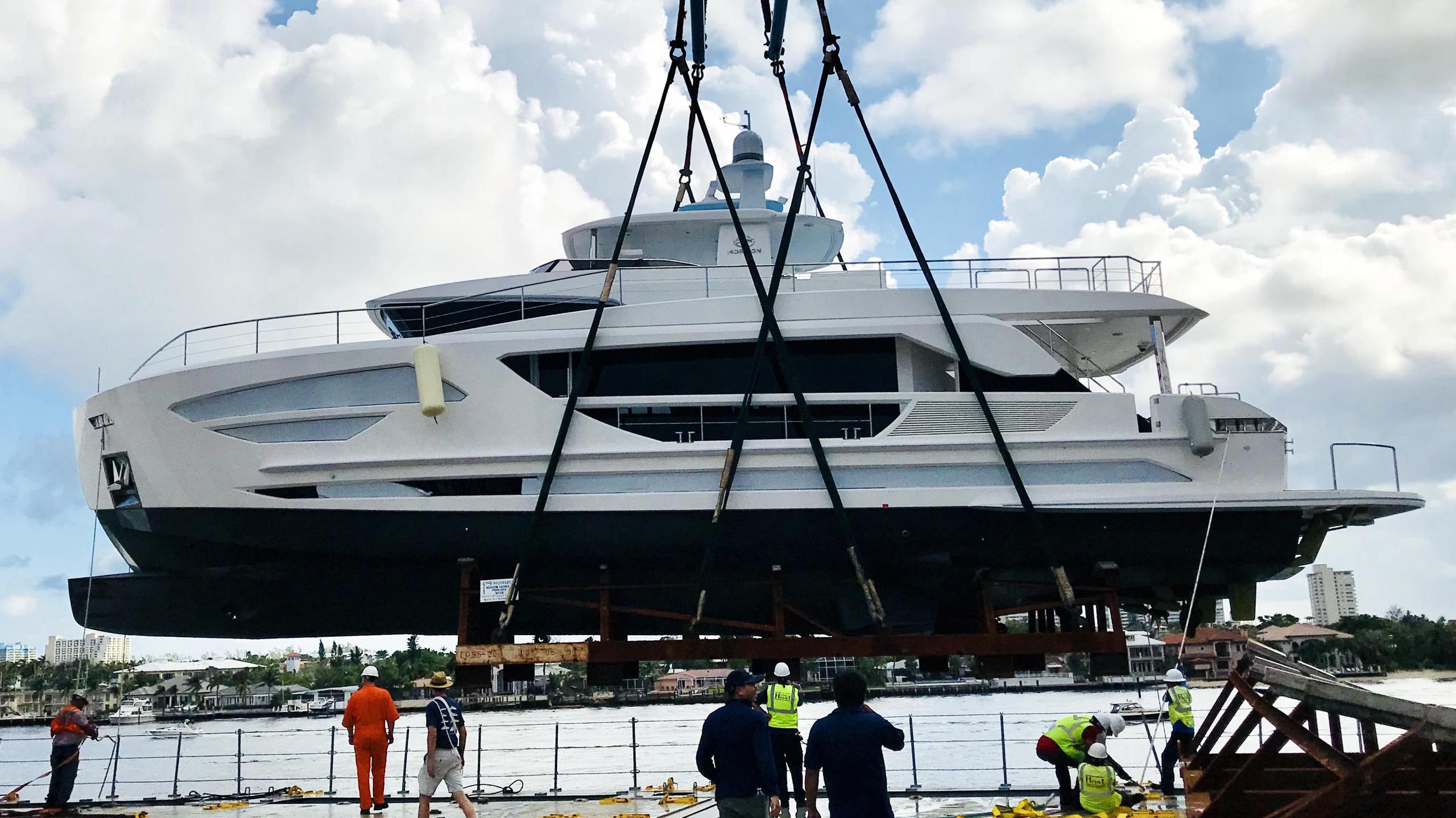 fd85 hull 3 motoryacht horizon 26m 2017 launch profile
