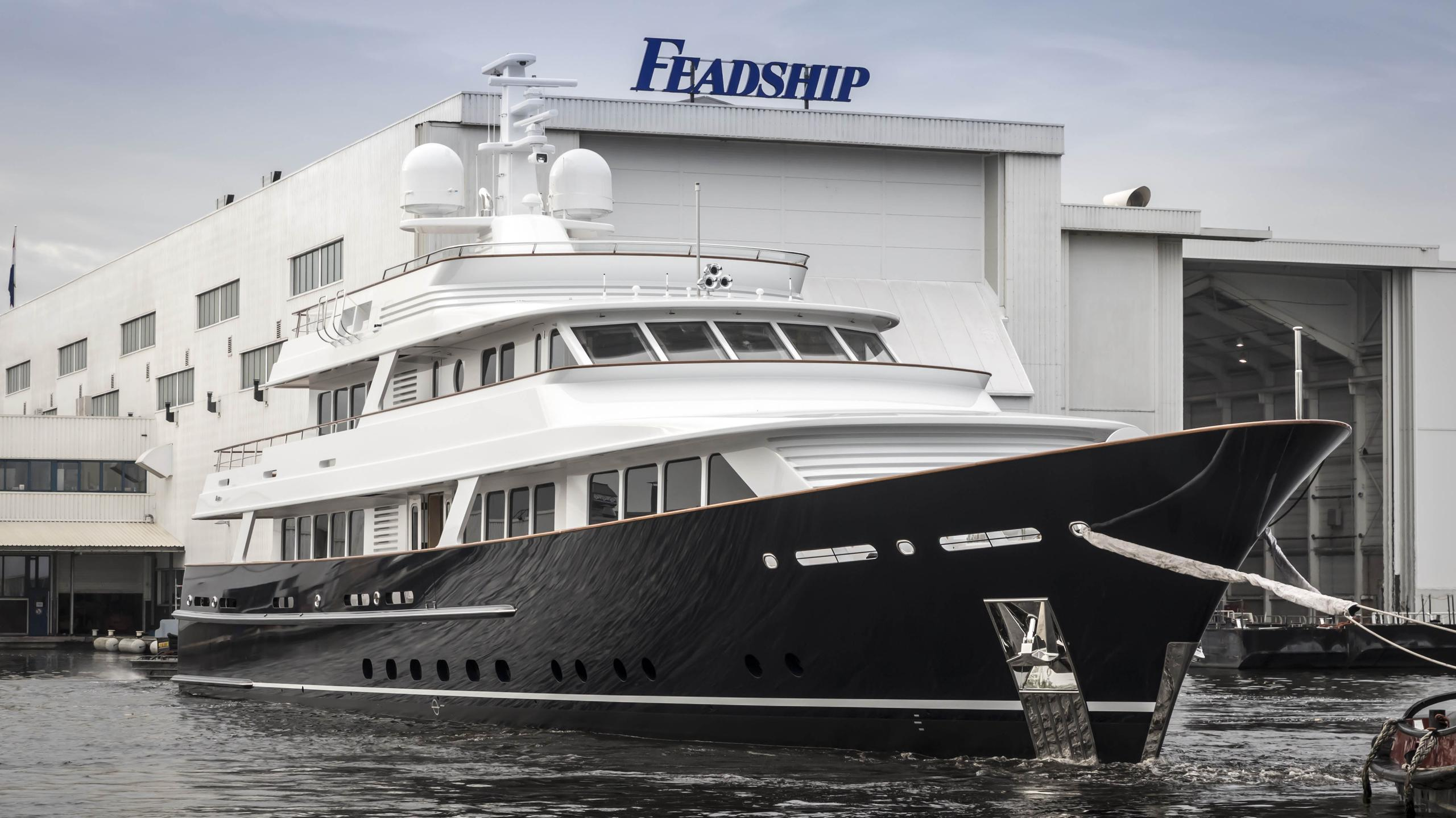 valoria b femke hull 697 motoryacht feadship 47m 2017 launch bow