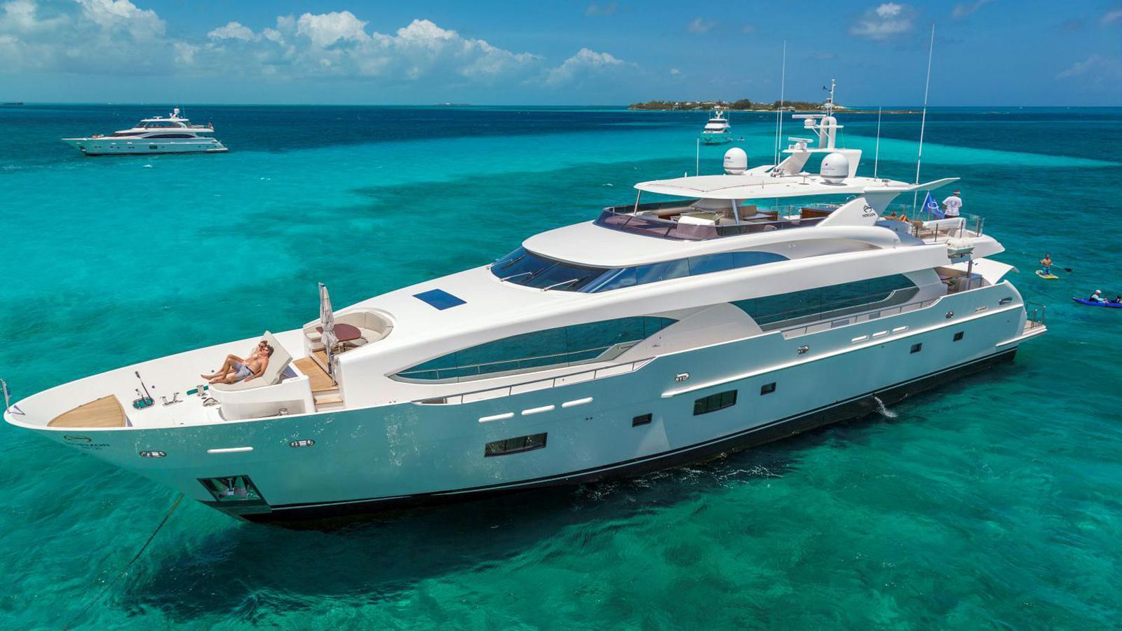 rp120 motoryacht horizon yachts 37m 2017 half profile