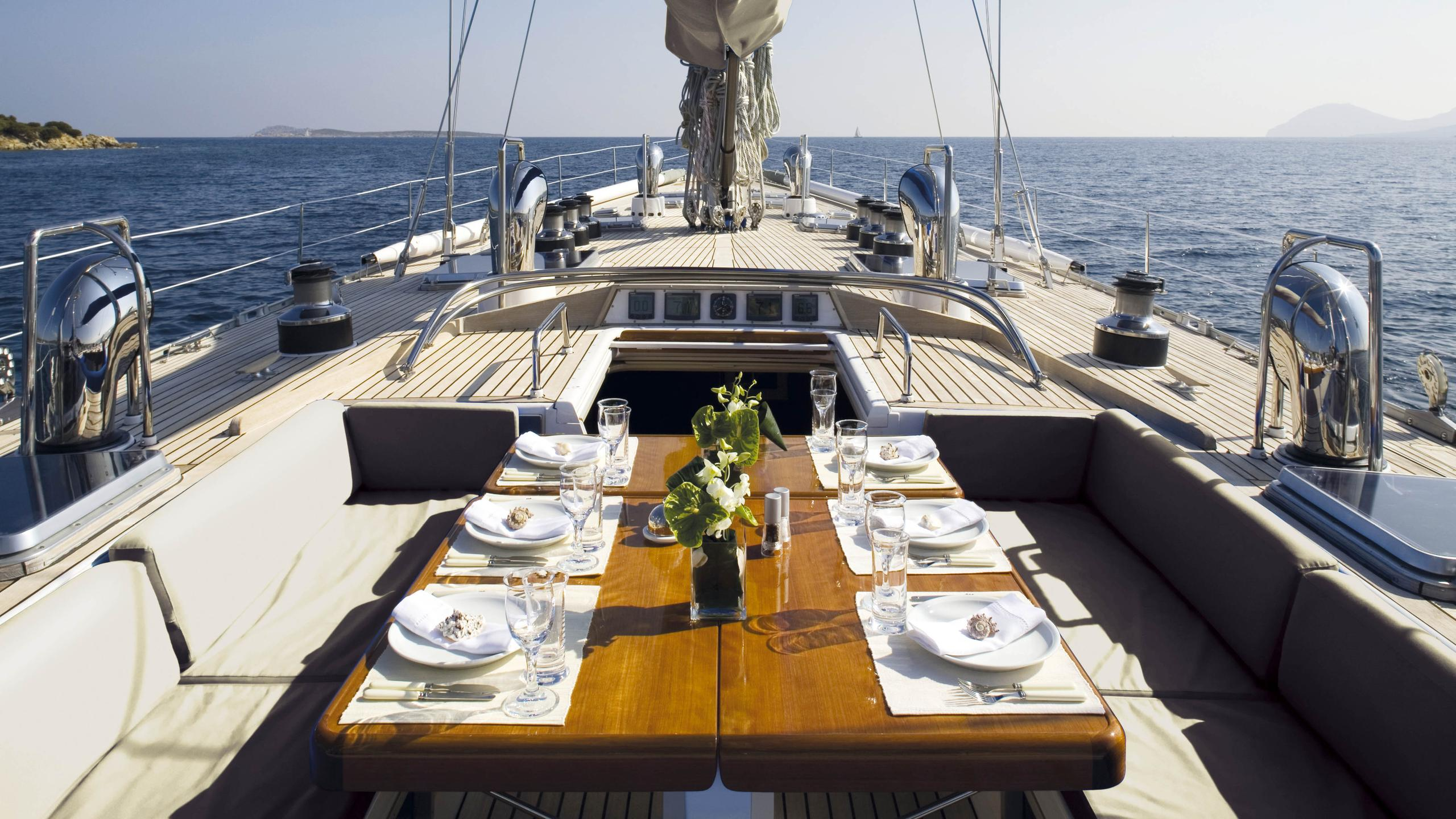 cyclos ii sailing yacht royal huisman 28m 1985 deck