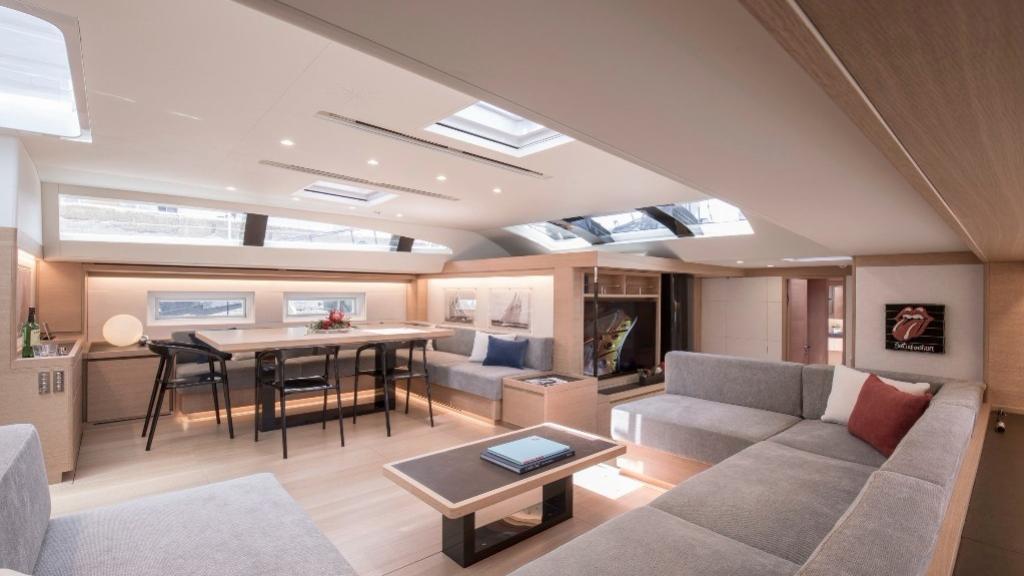 satisfaction sailing yacht southern wind shipyard 105 35m 2018 saloon