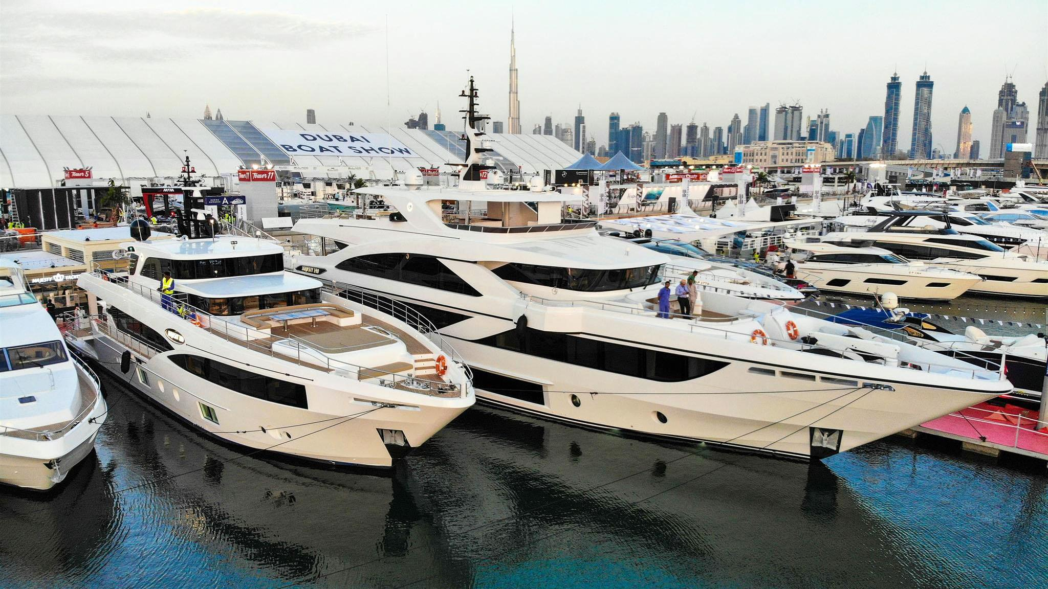 cest la vie majesty 140 motoryacht gulf craft 43m 2018 debut dibs