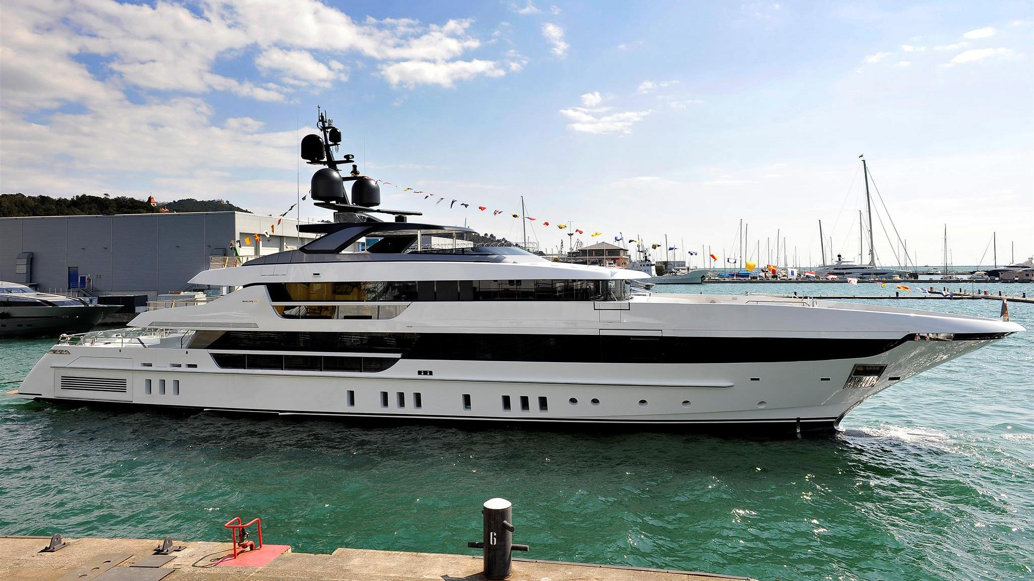 kd motoryacht sanlorenzo 52 steel 2018 52m launch profile