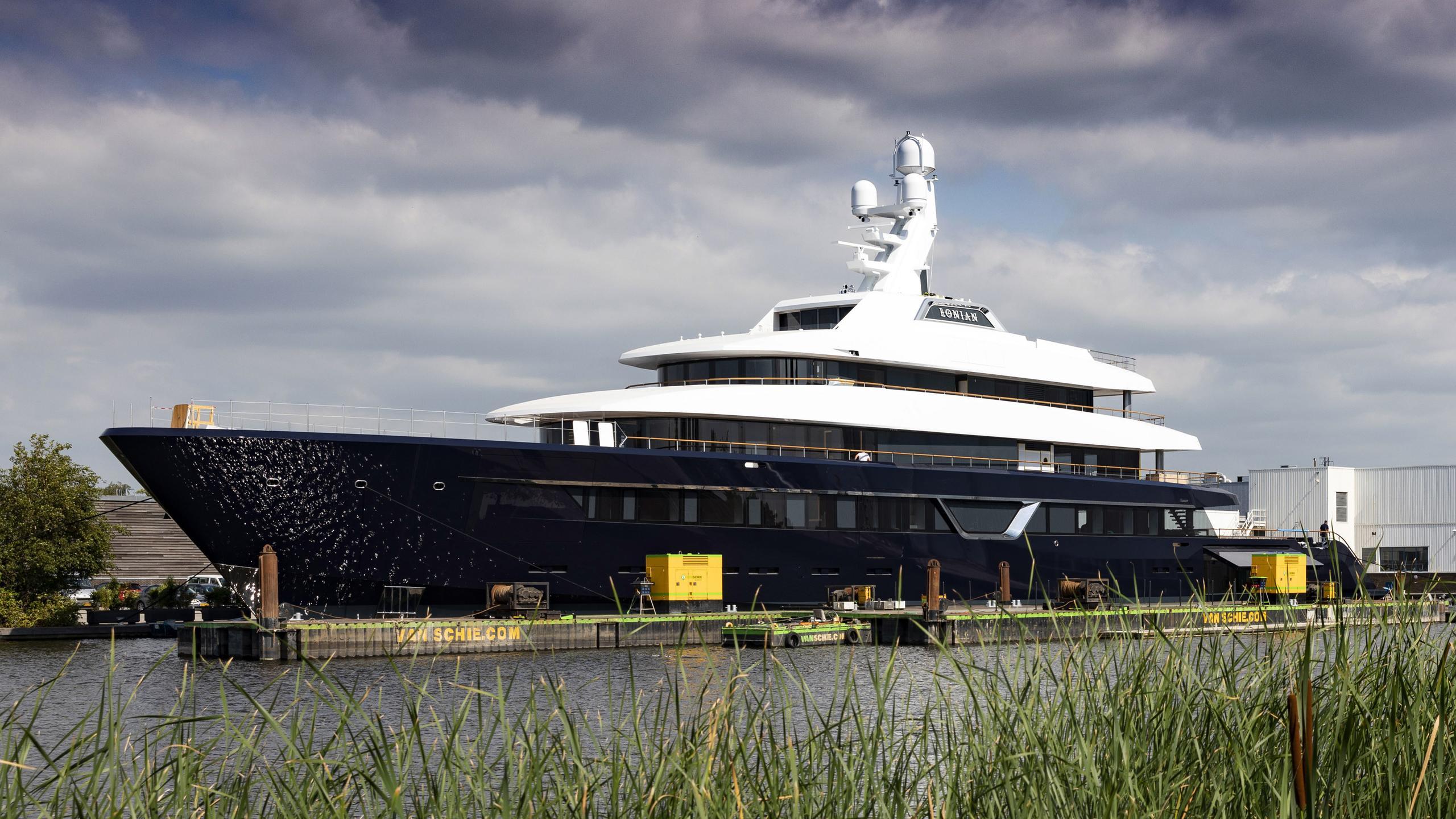 lonian motoryacht feadship 87m 2018 launch half profile