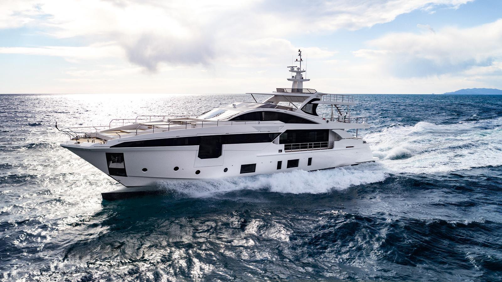 Grande 35 Metri motoryacht azimut yachts 35m 2020 half profile sistership