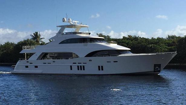 Ocean Alexander 118 motoryacht ocean alexander 36m 2019 side profile sistership 112 which is to be lengthened is shown