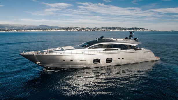 Pershing 108 motoryacht Pershing 33m 2019 side profile sistership