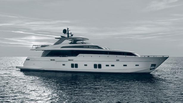 SL106 motoryacht sanlorenzo 32m 2020 side profile sistership